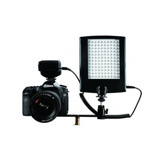 Falcon Eyes Panneau LED avec flash DV-120FV alimentation piles (non inclus)