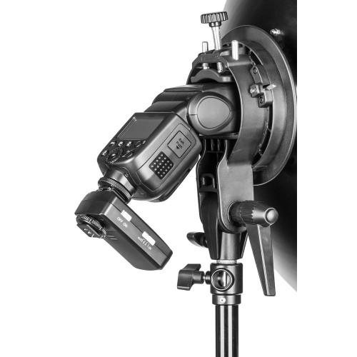 Quadralite Reporter S-holder for studio light modifiers