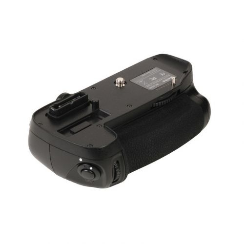 Meike battery pack for Nikon D600