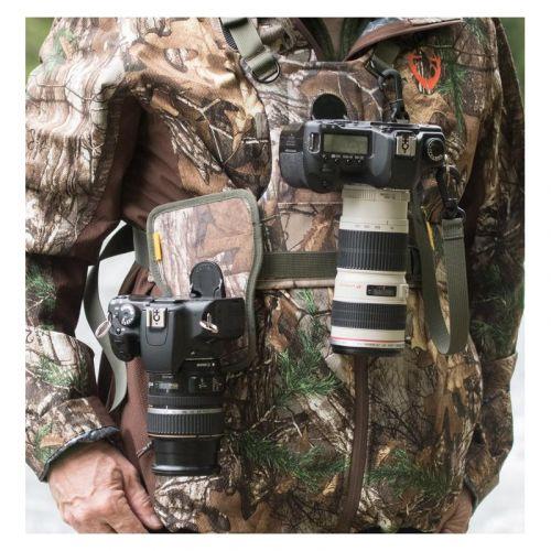 Cotton Carrier Harnais pour 2 boitiers - coloris Camouflage - housse anti-pluie incl